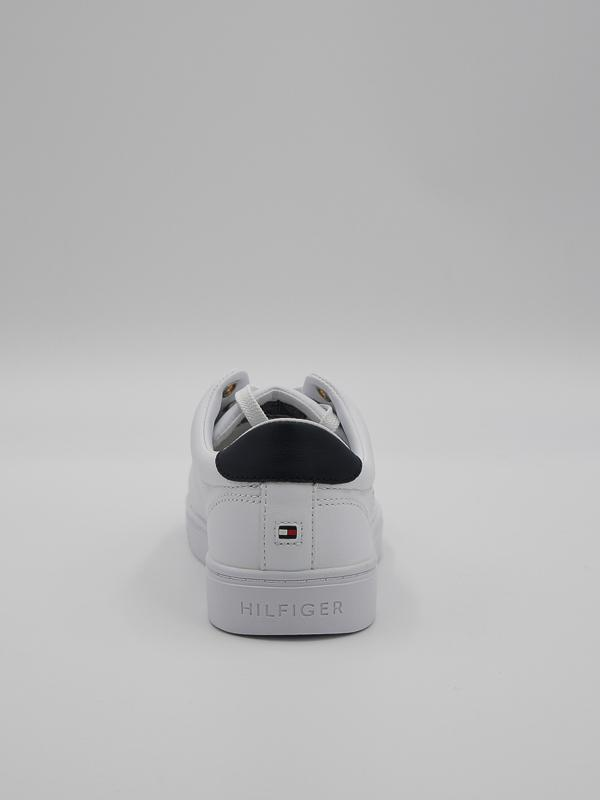 FW05544 2 20210112095037 - W V21 TH ICONIC SNEAKER