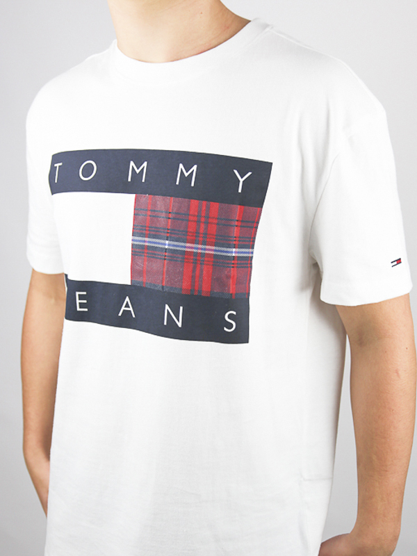 CAMISETA TOMMY JEANS CENTRE 02 - CAMISETA TOMMY JEANS CENTRE