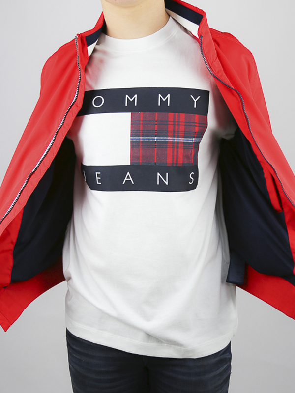 CAMISETA TOMMY JEANS CENTRE 04 - CAMISETA TOMMY JEANS CENTRE