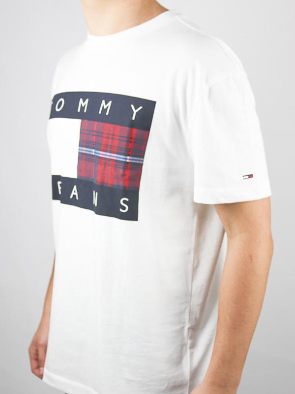 CAMISETA TOMMY JEANS CENTRE - CAMISETA TOMMY JEANS CENTRE